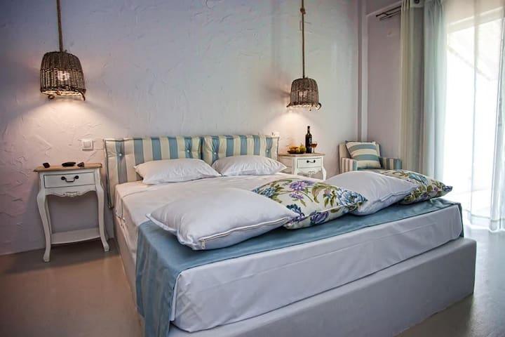 Artemis Seafront - Luxurious Apts 5 - Petres - Lägenhet