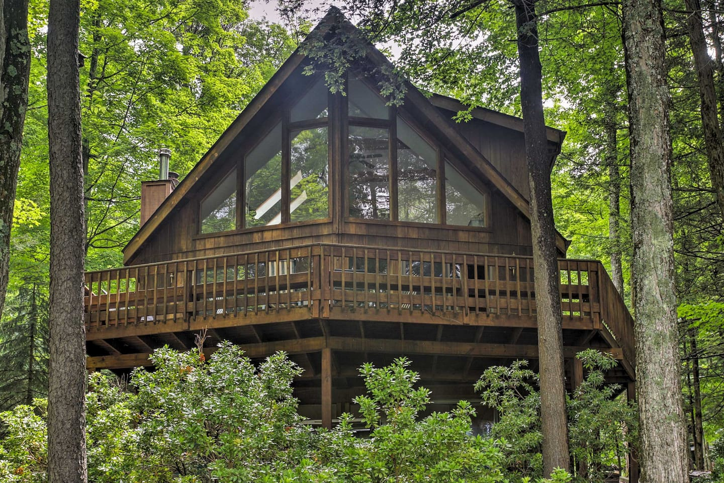 Welcome to you Lake Ariel vacation rental!