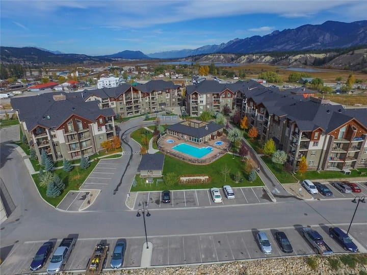 Invermere Retreat at Lake Windermere Pointe