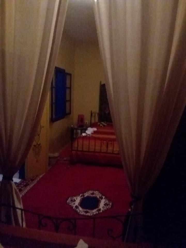 Maison du Soleil - chambre JAUNE
