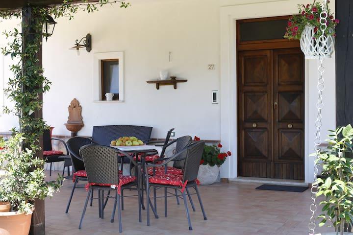 Il Tiglio B&B vicino alla Certosa di San Lorenzo - Padula - Penzion (B&B)