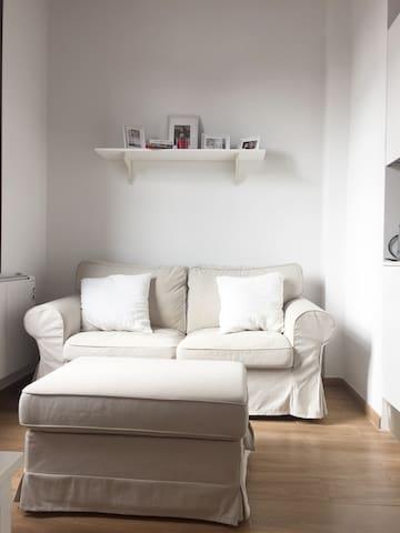 Cozy room in a renovated apartment - Barcelona - Departamento