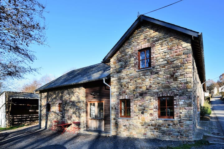 Rustic Holiday Hom in a Quiet Village in Ennal