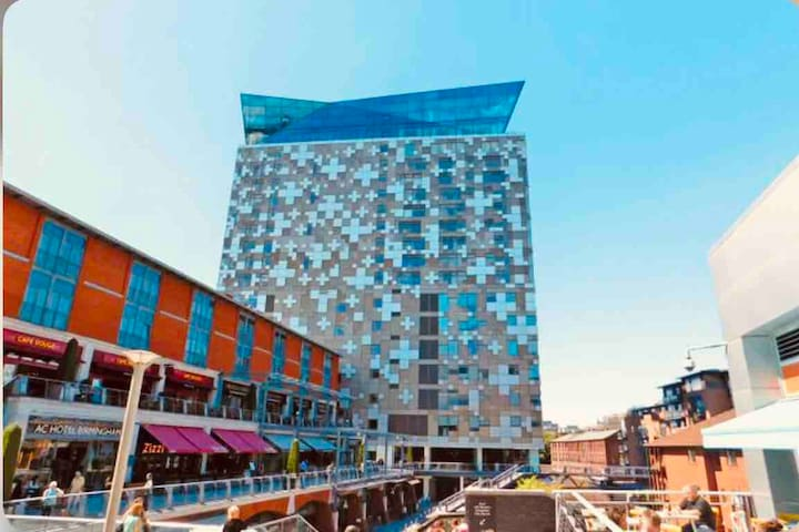 Perfect City Centre Apartment- Best Location*****