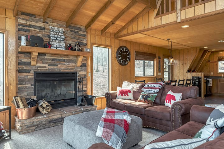Little Bear Lodge by Sarah Bernard Chalets, a Cozy Woodland Retreat with Solo Stove Firepit