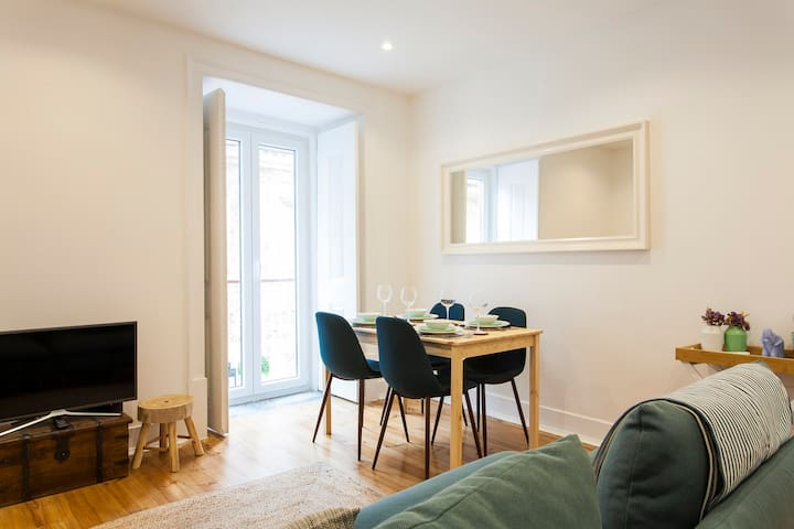 2 Bedroom Apartment | Lisbon | Blue Saint House