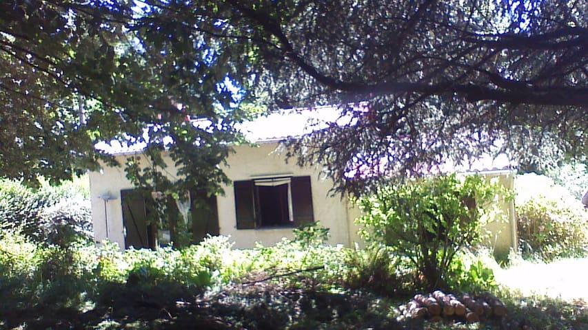 petite maison de vacances au coeur du sidobre