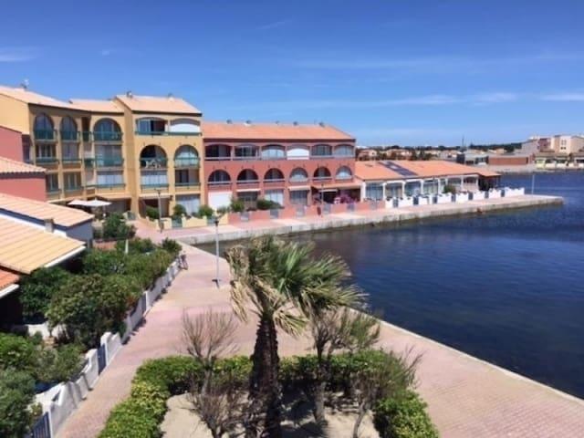 Le Barcarès T2 terrasse avec vue sur lac marin
