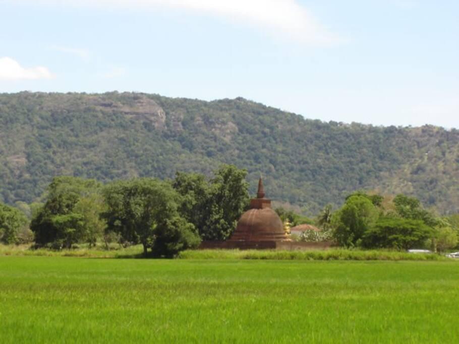 Dematamal Viharaya Temple