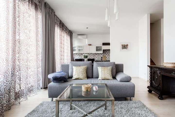 Beautiful and Quiet flat in Kazinczy free parking