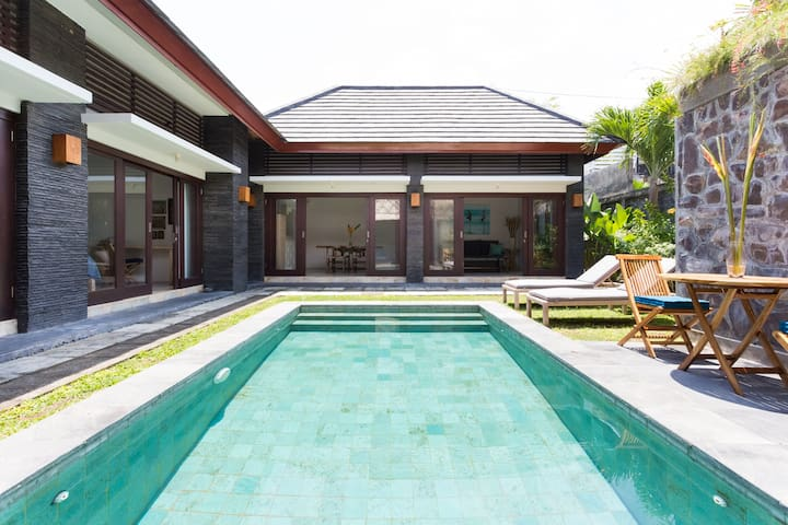 Wanderlust Villa in Canggu - North Kuta - House