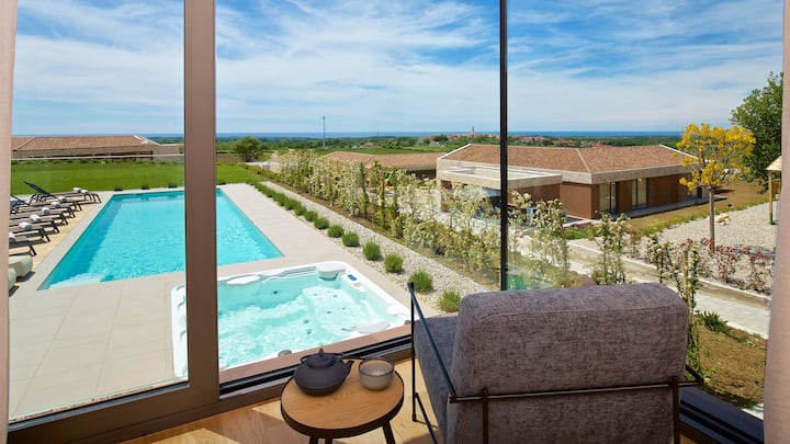 Brand-new 6 beds villa with magical Istrian views!