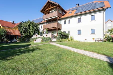 Acogedora casa de vacaciones en Tännesberg, Alemania con jardín