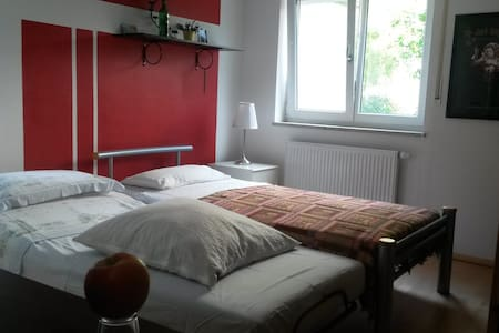 Laid back room in Erding - Erding - Huoneisto