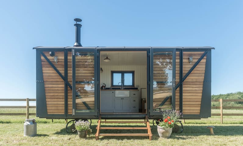 One Of A Kind Shepherds Hut With Incredible Views