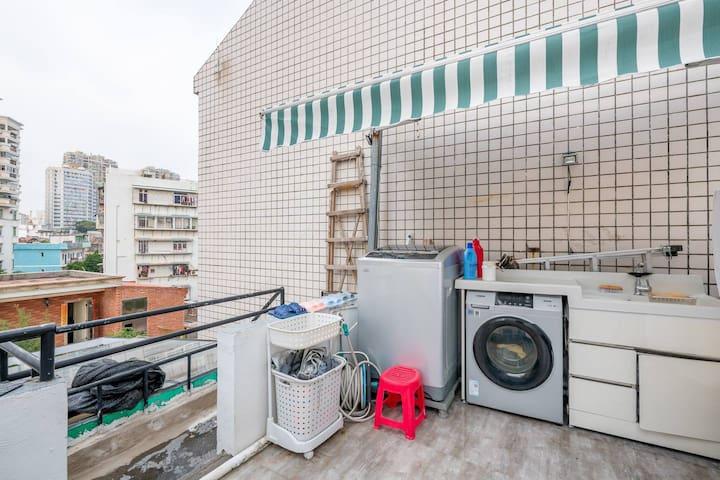 五楼洗衣晾晒区
