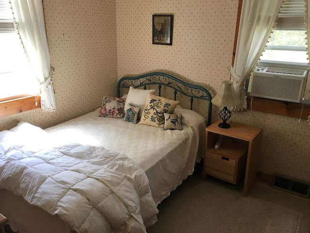 Croft Alden Guest Room