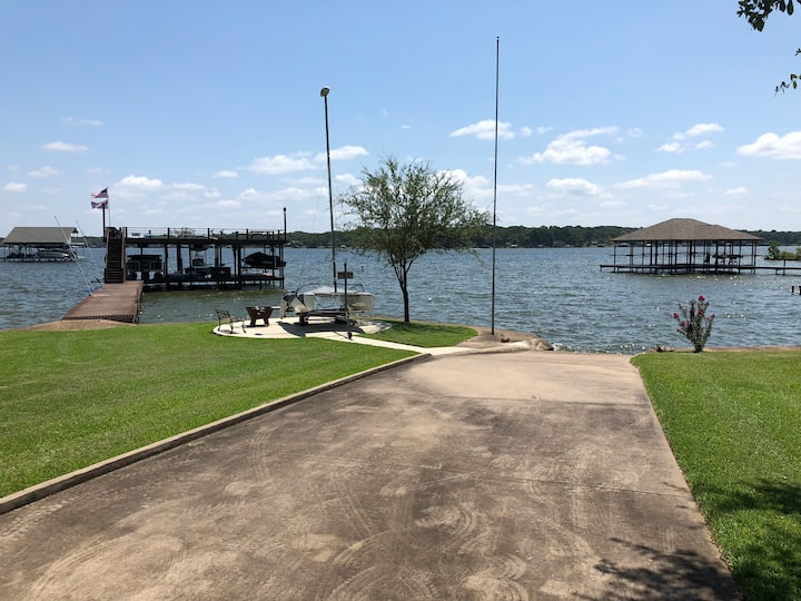 Lake Retreat/guest house, Private Boat Ramp