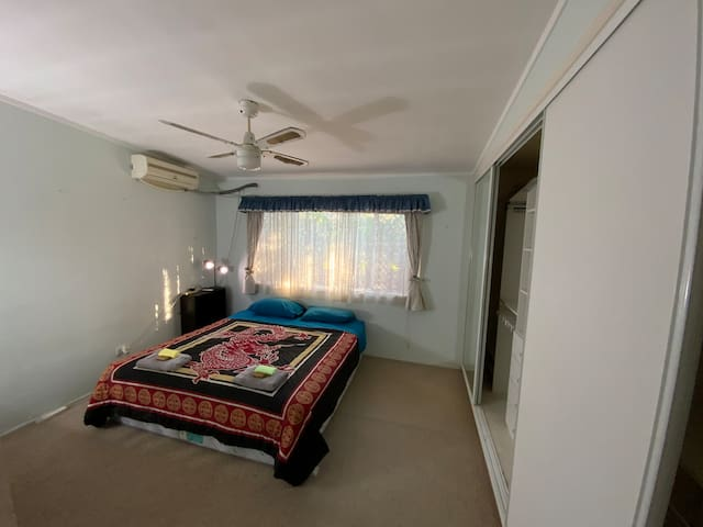 Large bedroom with King Bed and Aircon