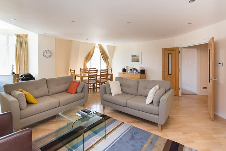Farringdon Penthouse - luxury 3 Bedroom flat