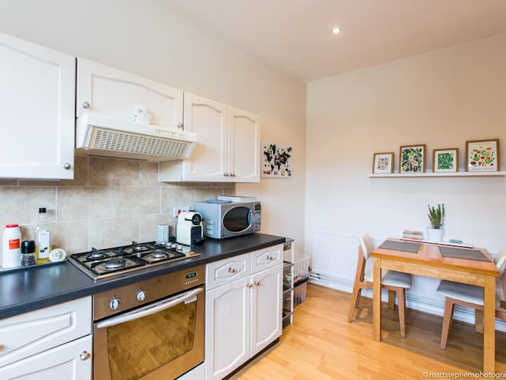 2BDR flat fantastically located in 7 Dials area
