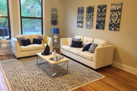 Luxury Apartment In The Heart of Downtown - Saratoga Springs - Διαμέρισμα