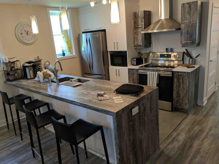New 2-Bedroom condo for up to 5