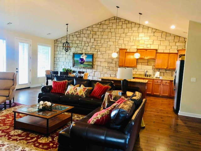 Charming 3BDRM On Golf Course