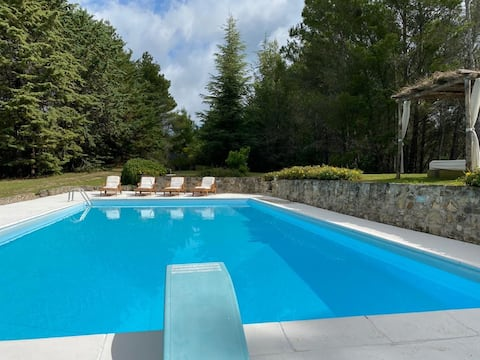 Large villa with pool NorthUmbria close to Tuscany