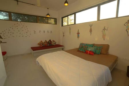 Quaint Tranquil Coastal Rooms 2-6 people - Alibag