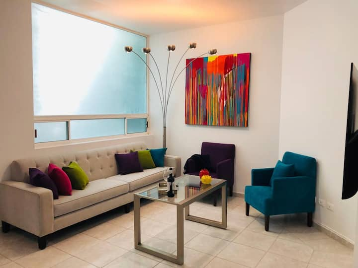 """⭐ 65"""" 4K TV ⭐ Private⭐ Residential Area ⭐Parking"""