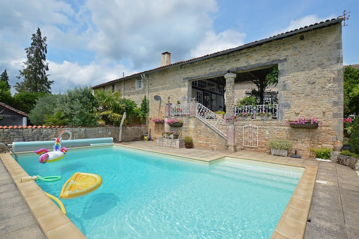 Cozy Holiday Home in La Foret-de-Tessé with Private Pool