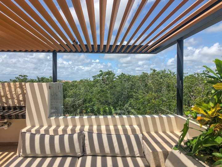 Maranay Jungle Suite