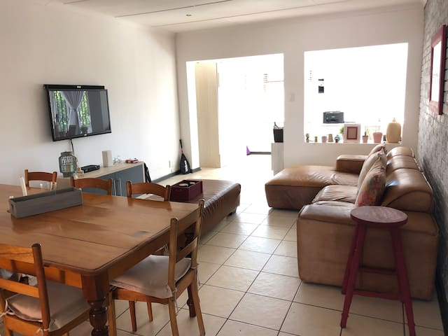Lovely two bedroom unit with everything you need.