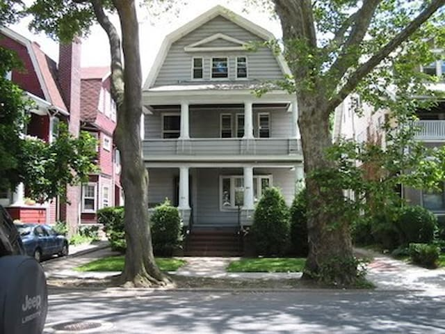 Large room in Victorian Home in Ditmas Park - Brooklyn - Maison