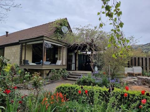 Roxburgh Retreat