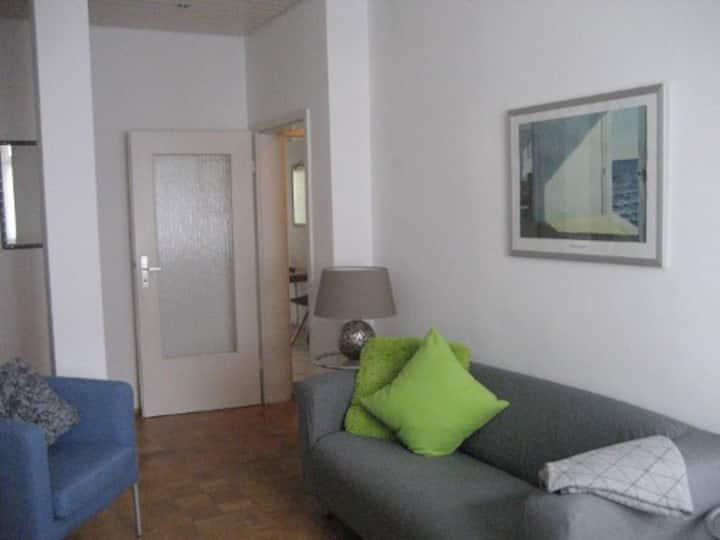 Kuschelige 1,5 Zimmer EG-Wohnung - total zentral!