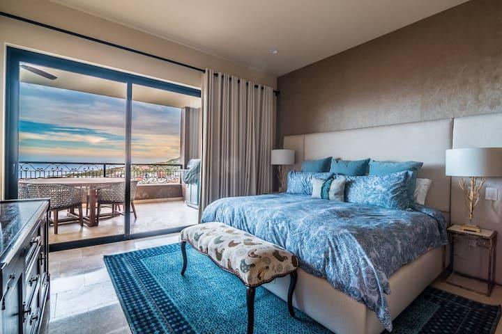 Fantastic Ocean View Condo with 5⭐  Resort Access