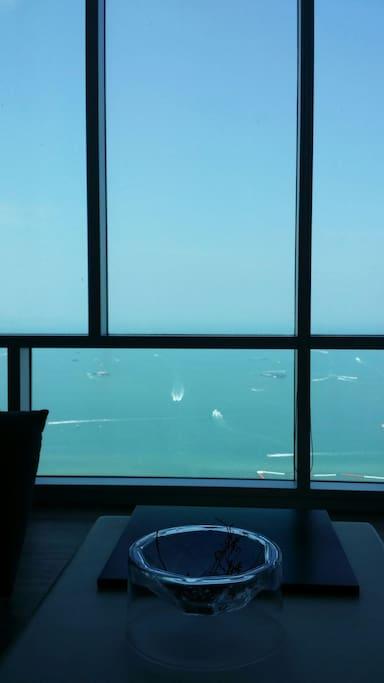 45th floor sky lounge,  45樓休息室