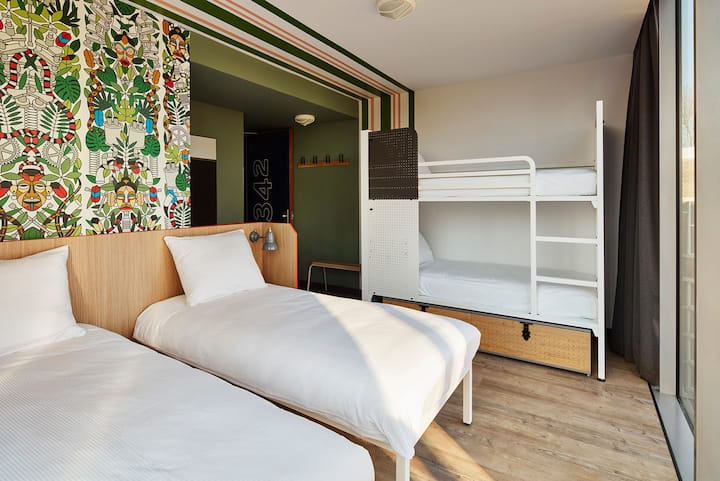 Generator -  Private 4-bed Deluxe Room