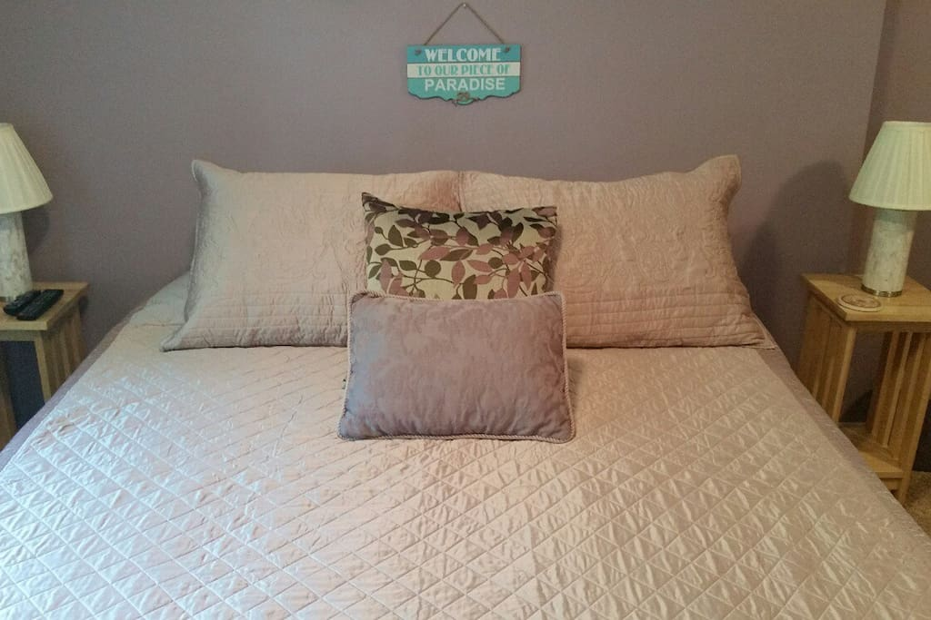 Ahh...unwind, relax and treat yourself to a cozy night's sleep.  New queen bed with memory foam mattress!
