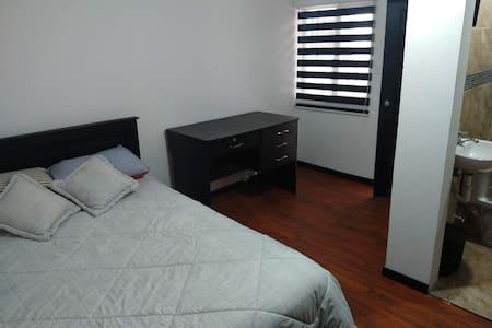 Zidko Guest House Solo Room