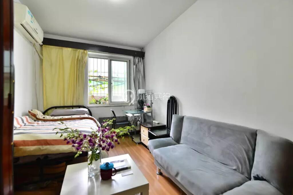 舒适干净的卧室