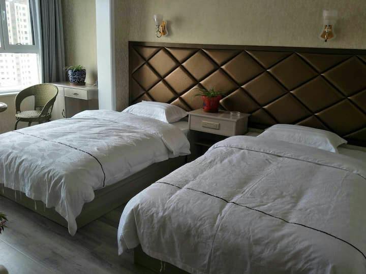 西宁曹家堡机场店《夏旅民宿》,3室一厅套房,机场免费接送,
