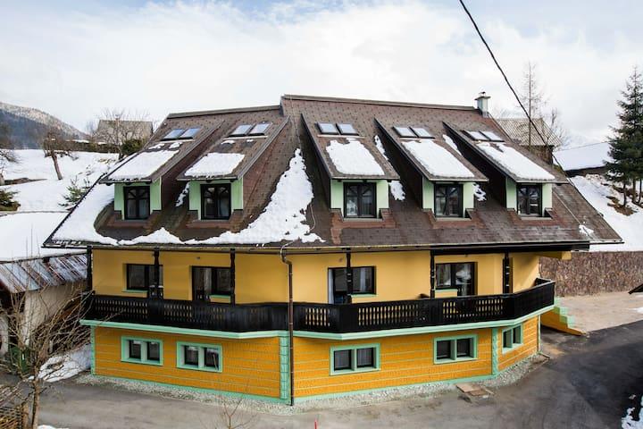 Podkoren Apartments