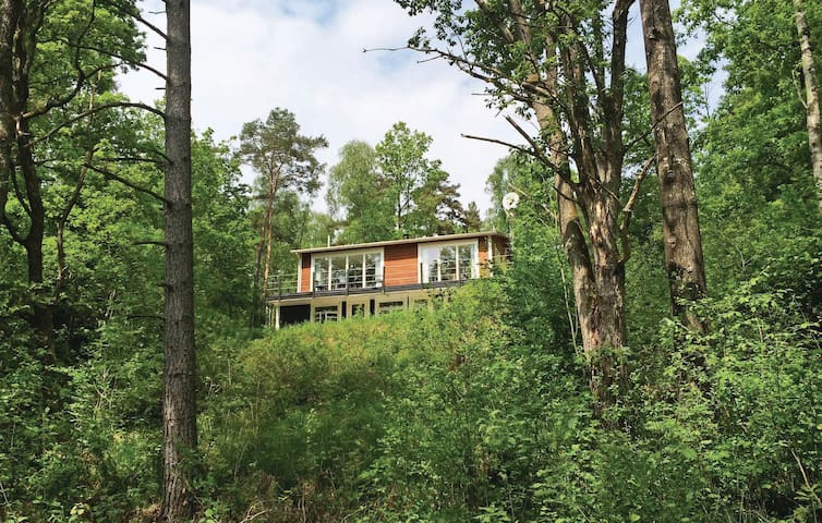 Holiday cottage with 4 bedrooms on 116m² in Knäred
