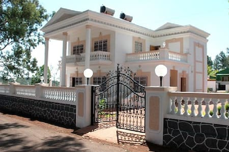 White house 2 BHK in Panchgani - House