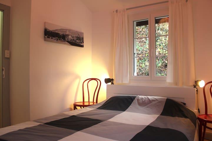 2nd floor: 1st bedroom with 1 bed 140X200