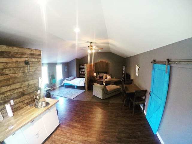 Cozy Barn Loft - Stillwater