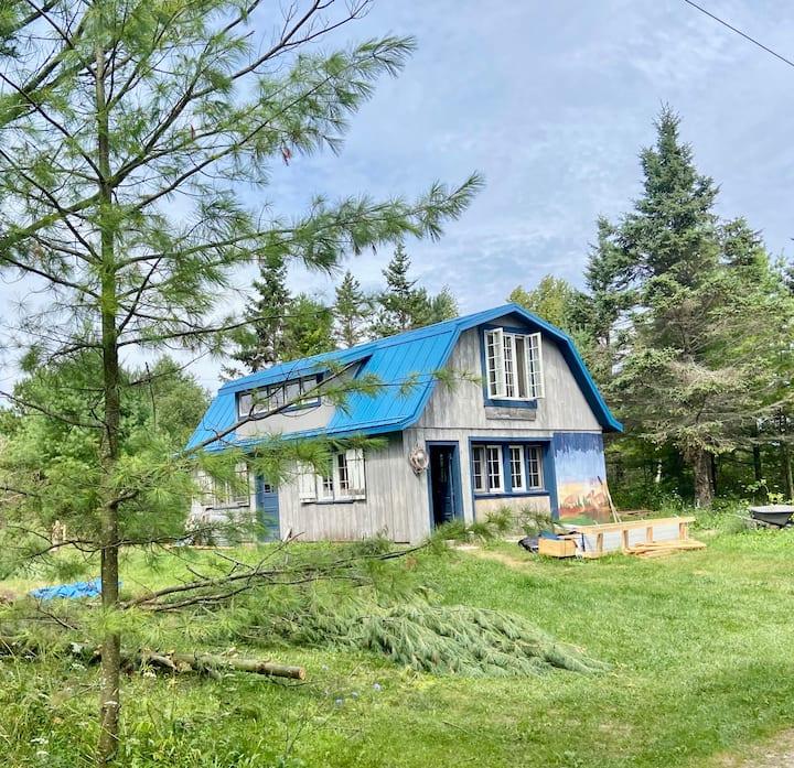 Three Sister's Cottage Barn Retreat